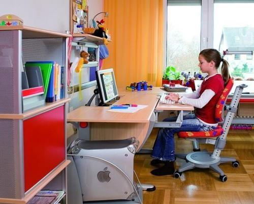 Письменный стол для детей